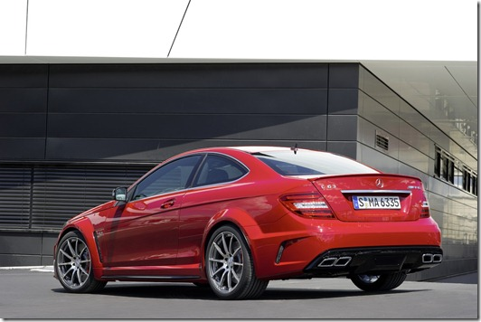 2012 Mercedes-Benz C63 AMG Coupe Black Series unveiled to the world 2