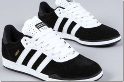 adidas_black_-_runway_white_-_metal_gold_2190-287x189