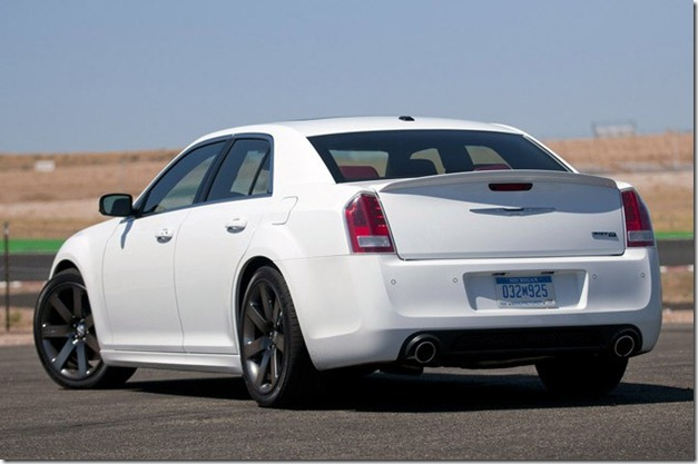lead2-2012-chrysler-300-srt8-fd