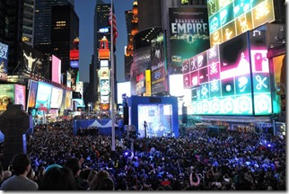 Nokia, Nicki Minaj and Microsoft shuts down Times Square 5