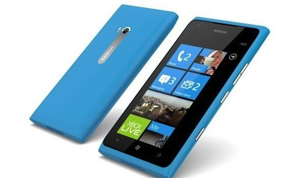 PSA-Nokia-Lumia-900-is-now-FREE.jpg