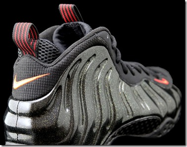 NIKE-AIR-FOAMPOSITE-ONE-BLACK-RED-AND-GOLD_thumb.jpg