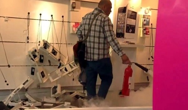 Angry-T-Mobile-Customer-Destroys-The-Store-Video.jpg