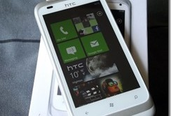 HTC-comes-crawling-back-with-Lumia-envy_thumb.jpg